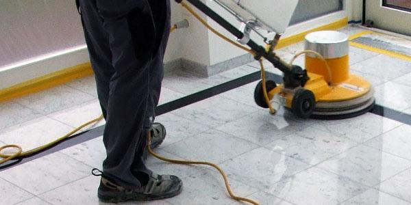 Servicios de limpieza y abrillantado para comunidades de vecinos